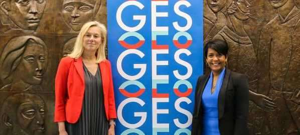 Mayor Keisha Lance Bottoms (right) meeting with Minister Sigrid Kaag at Atlanta City Hall.
